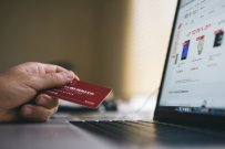 How to Have a Healthy Relationship with Credit Cards